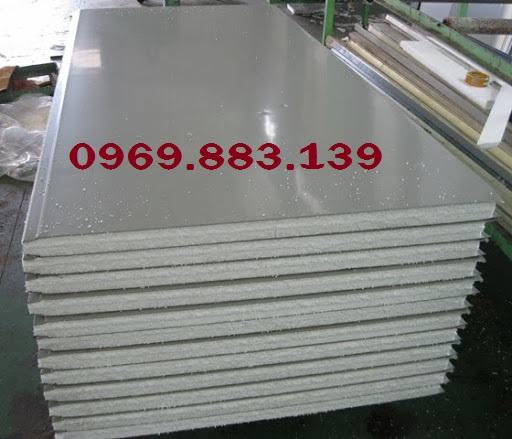 thi-cong-panel-EPS-tam-vach-ngan-cach-nhiet